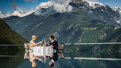 couple having a romantic lunch at the hotel STOCK